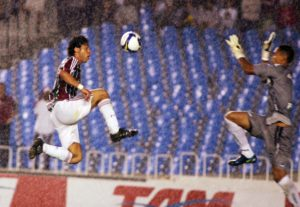 Fluminense's Fred chips Renan to grab a late winner against Botafogo