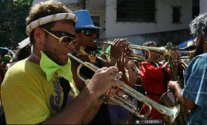 The Bloco's horn section, photo by Ana Branco/O Globo.