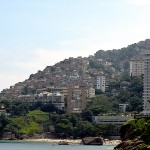 Another view of Vidigal Favela, photo by Jeff Belmonte, courtesy of Wikimedia/Creative Commons License.