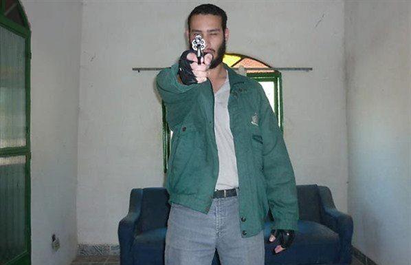 Outfits of mass murderers One-of-the-photos-of-the-Realengo-shooter-released-by-the-Rio-Police-courtesy-of-Secretaria-de-Seguran%C3%A7a-P%C3%BAblica-do-Rio-de-Janeiro--598x385