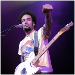 Ben Harper, at Metropolis (Montreal) while the Festival International de Jazz de Montréal in 2003