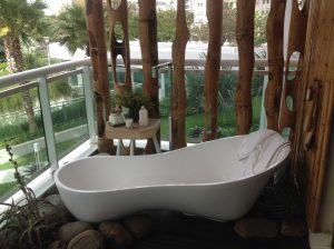 Casa Cor is a display or all things luxurious, such as this exclusive bath tub, photo by George Powell.