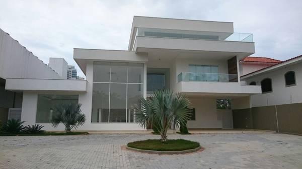 santa monica cond front house