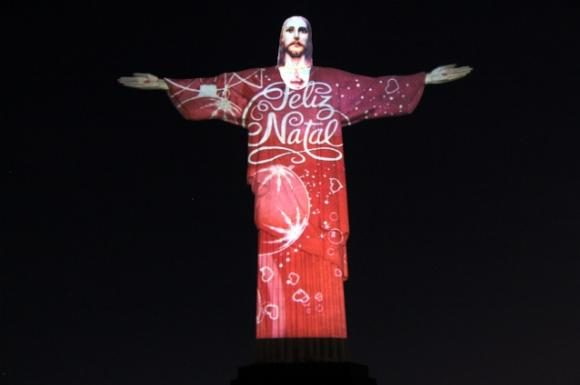 Rio de Janeiro, Brazil News, Brazil, Christmas in Rio de Janeiro, Christmas 2015 in Rio de Janeiro, Cristo Redentor, Christ the Redeemer, Video Mapping, Gaspare di Caro,