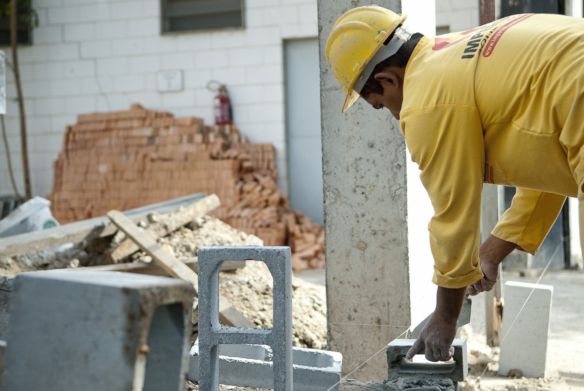 The construction sector is expected to be one of the sector's most affected by unemployment this year in Brazil, Brazil News