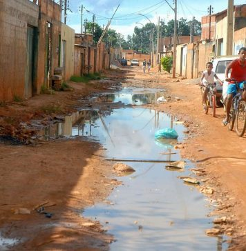 Brazil,Poverty increases in Brazil by two million people from 2016 to 2017 according to the IBGE,